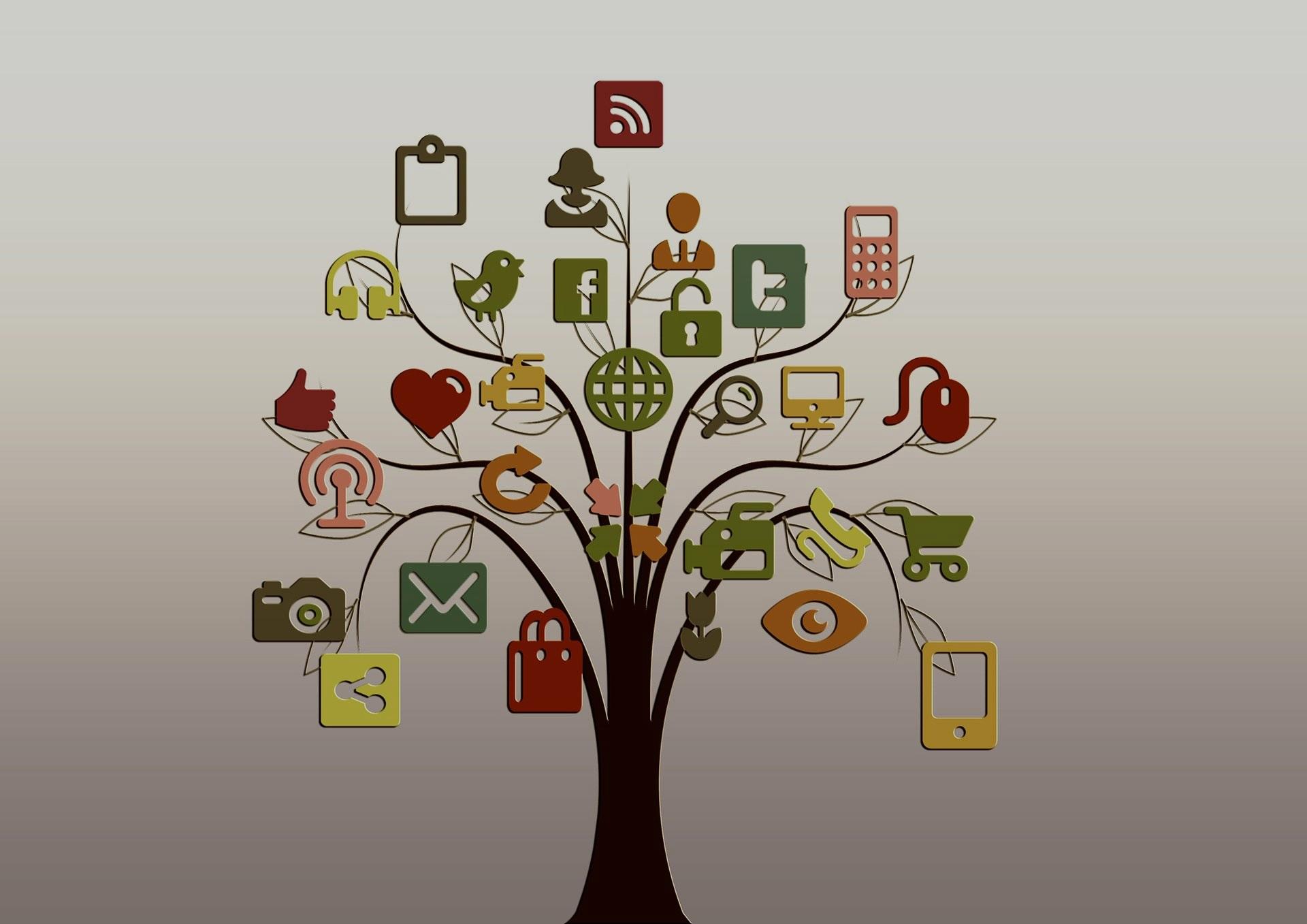 дерево с разнообразными иконками