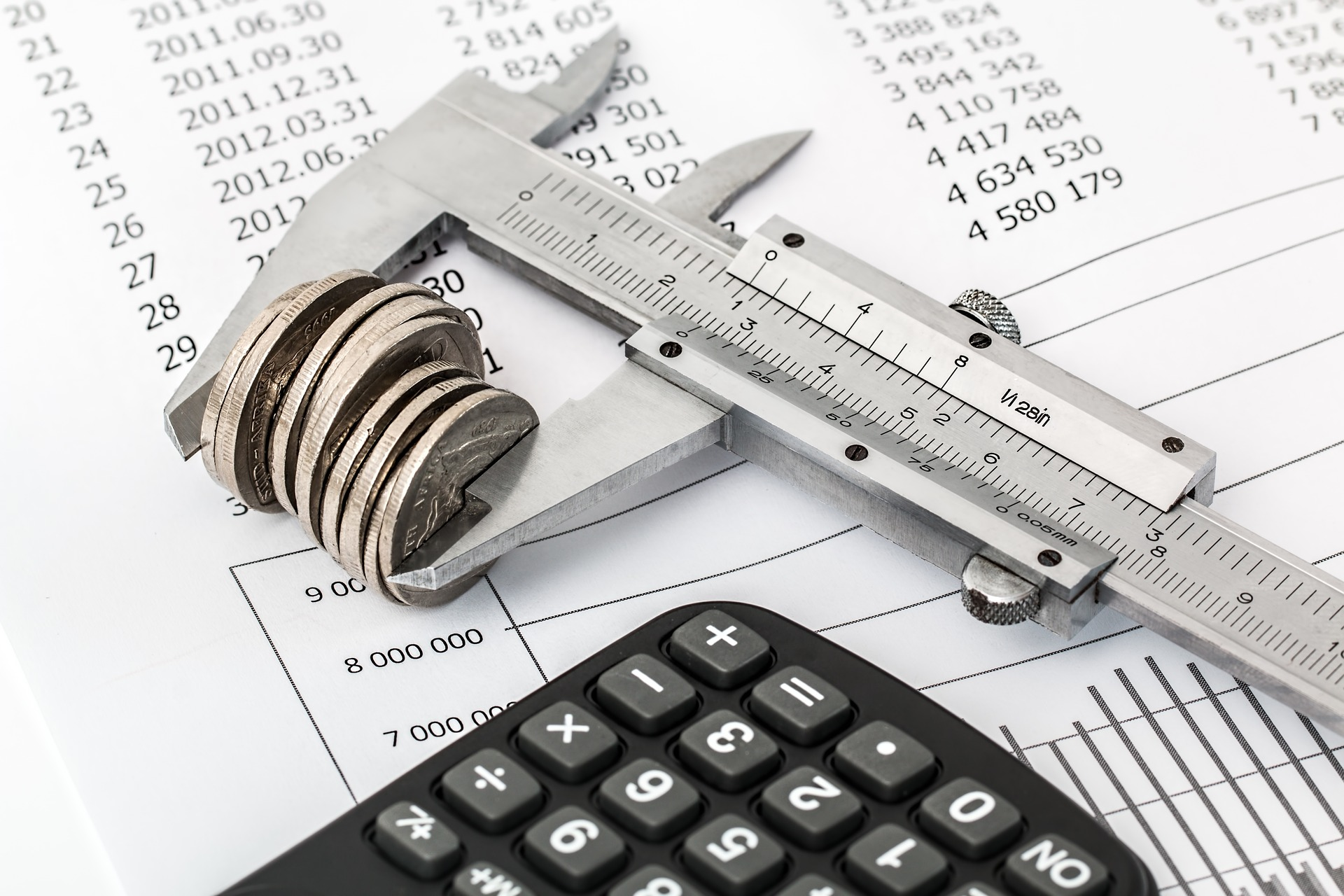 калькулятор и монеты