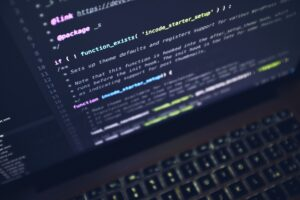 программный код на экране монитора